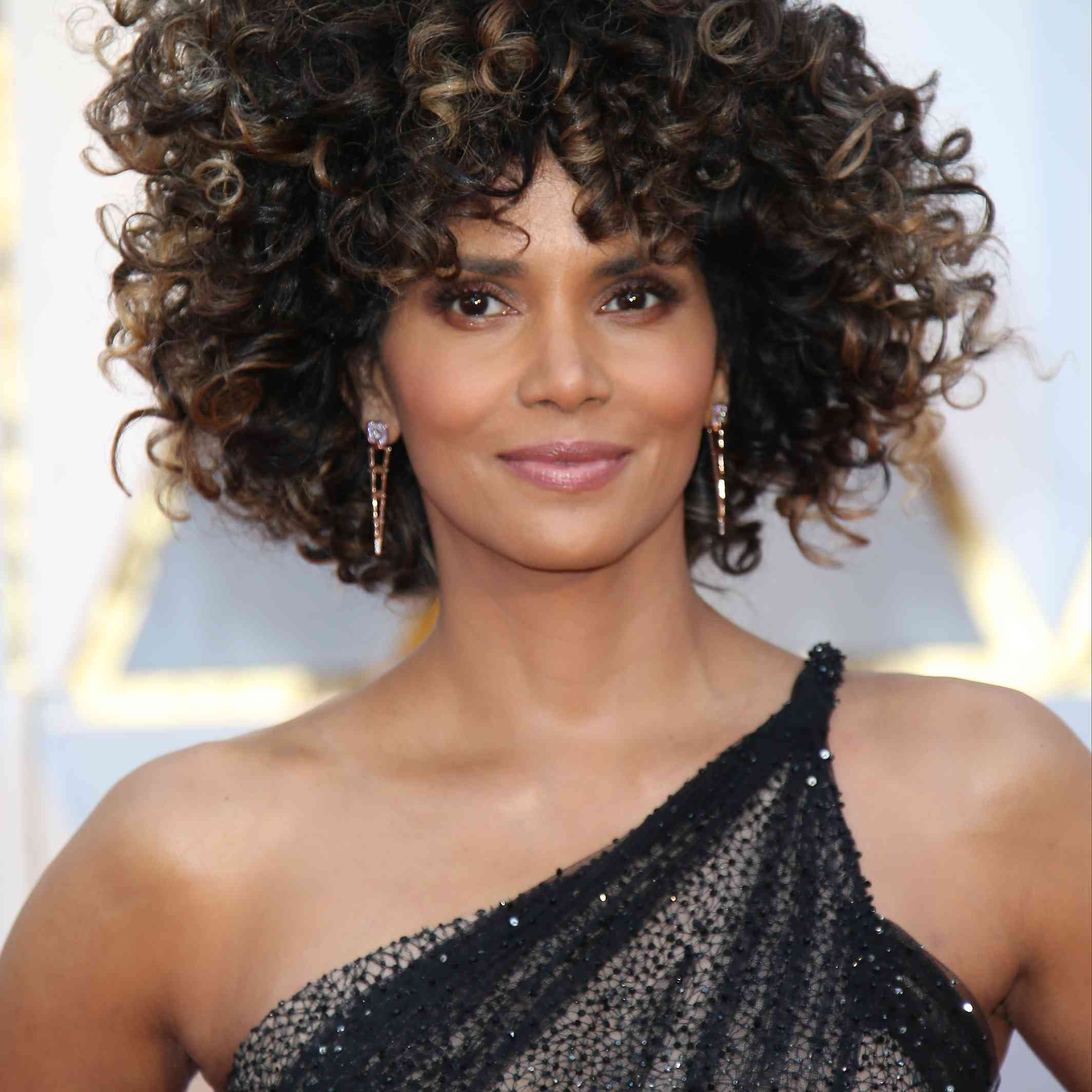 Halle Berry 89th Annual Academy Awards - Arrivals
