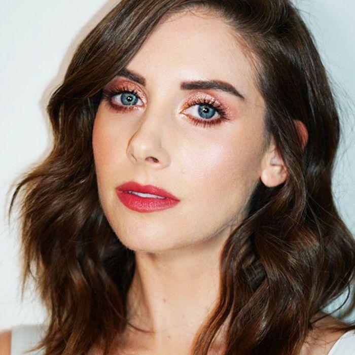 Alison Brie makeup