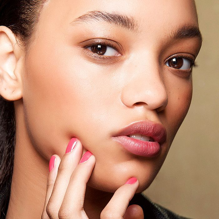 How To Use Microdermabrasion For Acne Scars