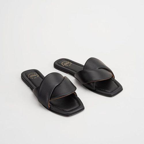 Capurso Black Flat Sandals ($420)