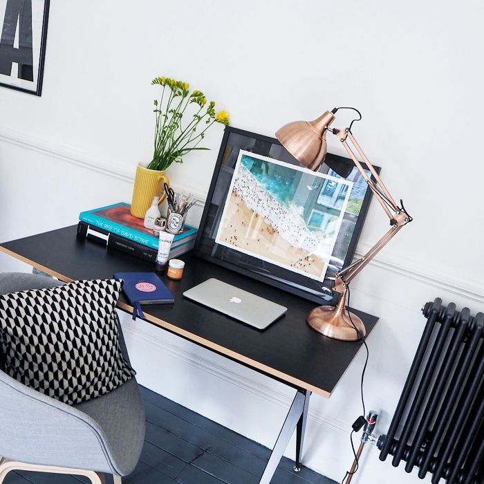 How to Organise Your Week: tidy desk
