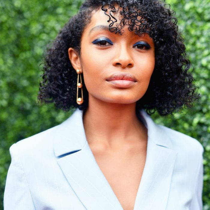 The Best Mid Length Hairstyles That Everyone Still Loves
