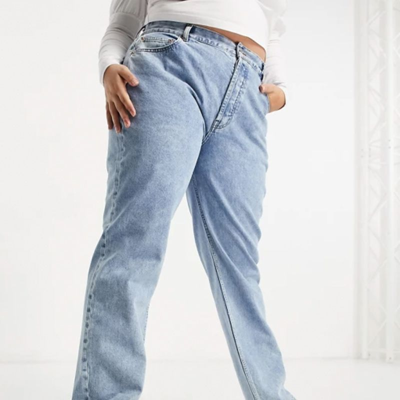 Curve Mid Rise 90s Straight Leg Jeans