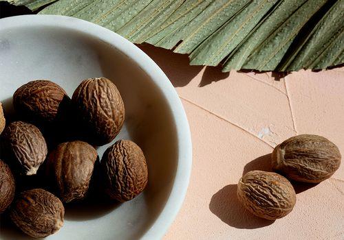 nutmeg still life