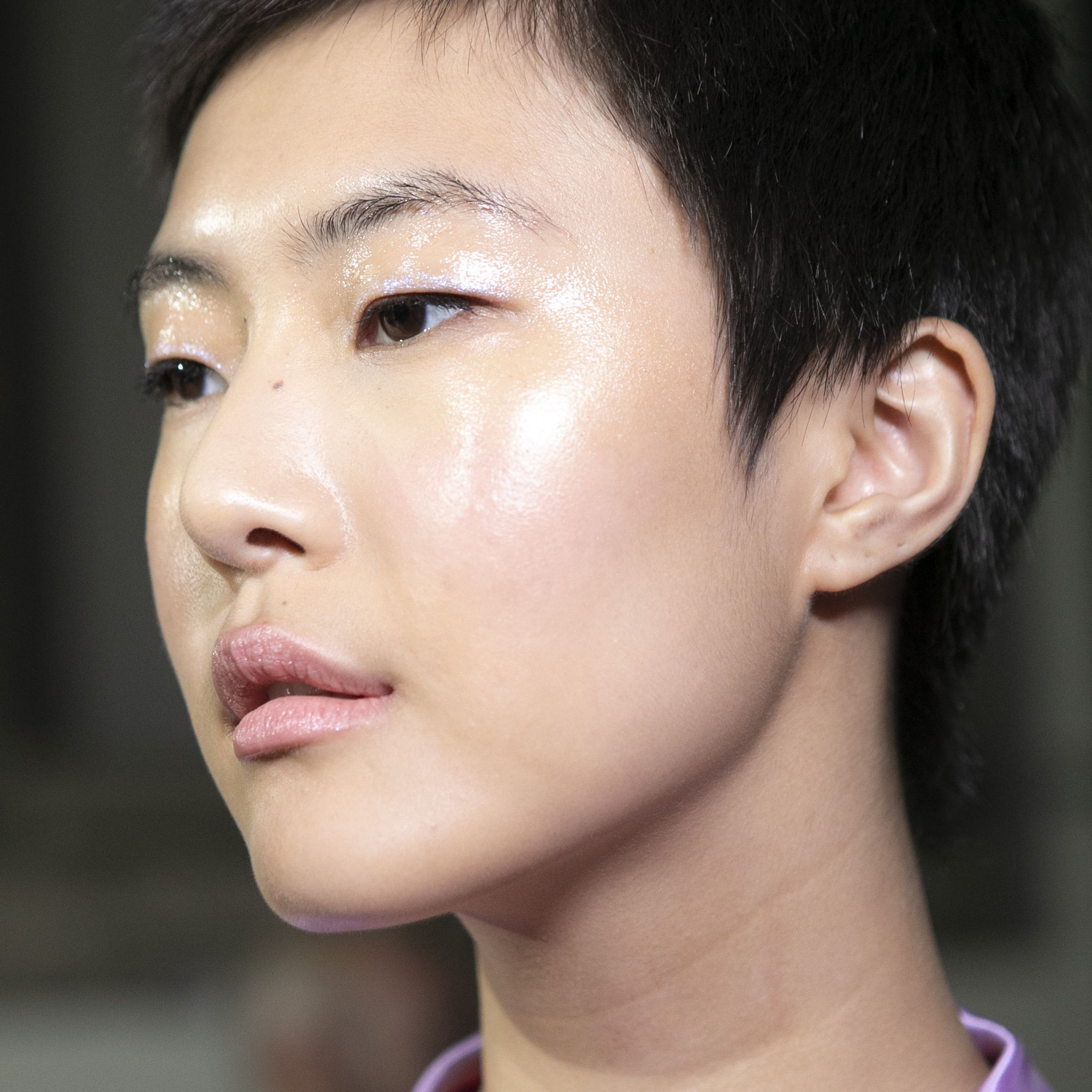 How To Create Glossy Skin In 6 Easy Steps
