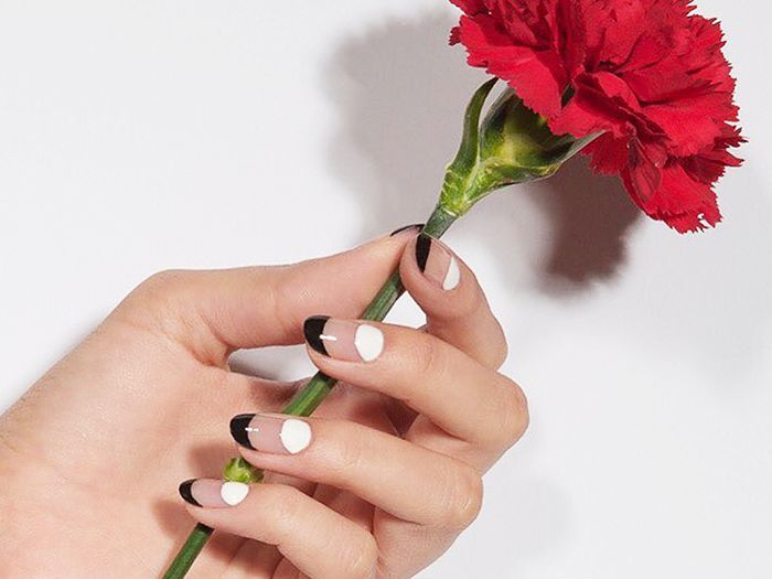 14 Cool Black-and-White Nail Designs