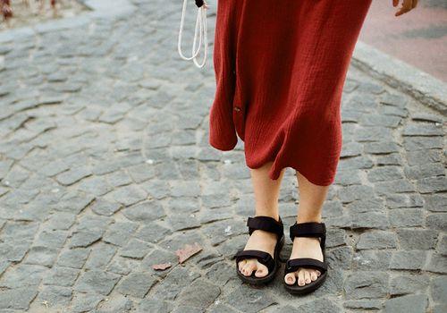 woman wearing summer sandals
