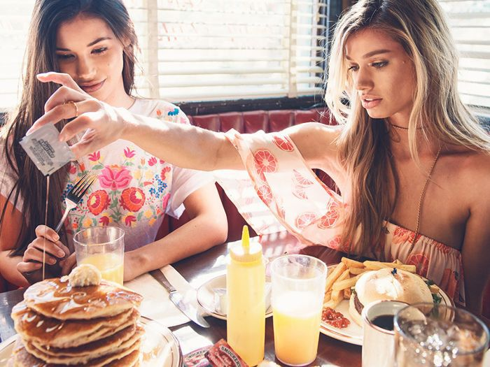 The #1 Mistake People on Diets Make in Restaurants