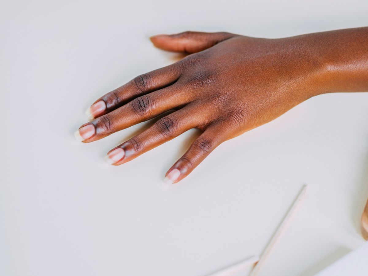 How To Remove Fake Nails Without Damaging Real Ones According To Celebrity Nail Experts