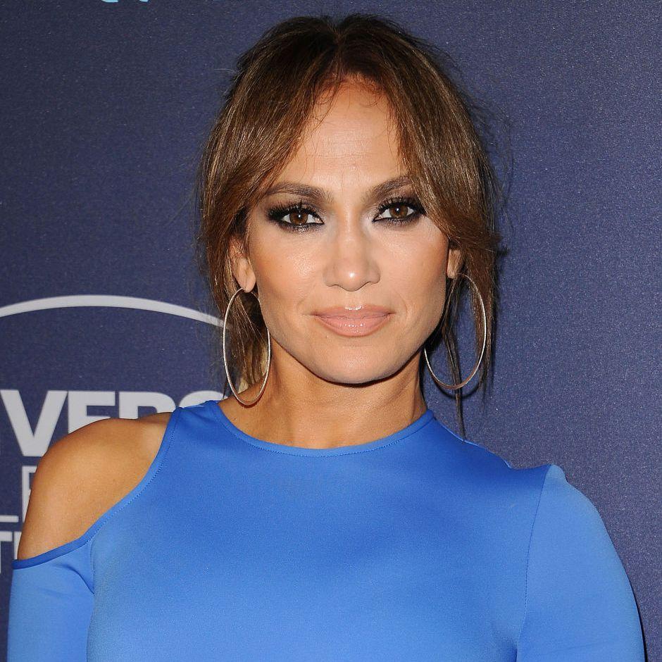 Jennifer Lopez curtain bangs