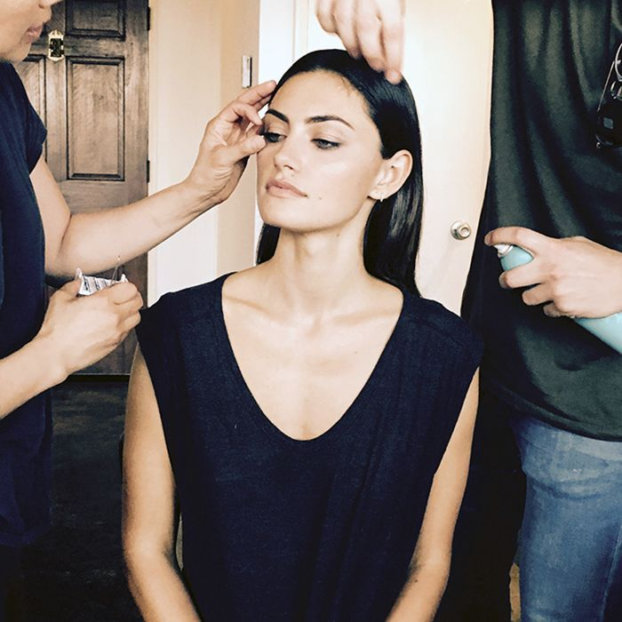 Phoebe Tonkin Beauty Routine - Getting Ready with Phoebe Tonkin