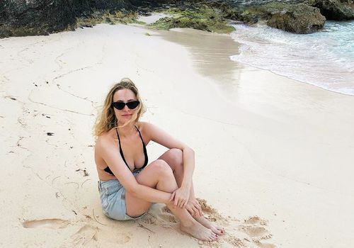 hallie gould editor on beach