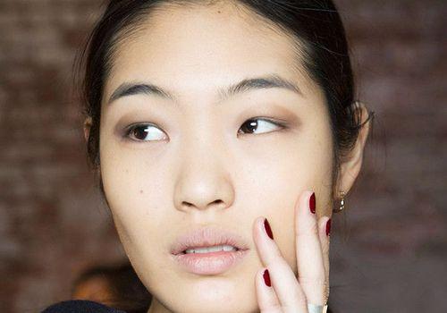woman with minimal makeup