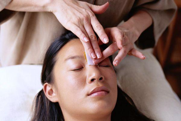 professional eyebrow wax