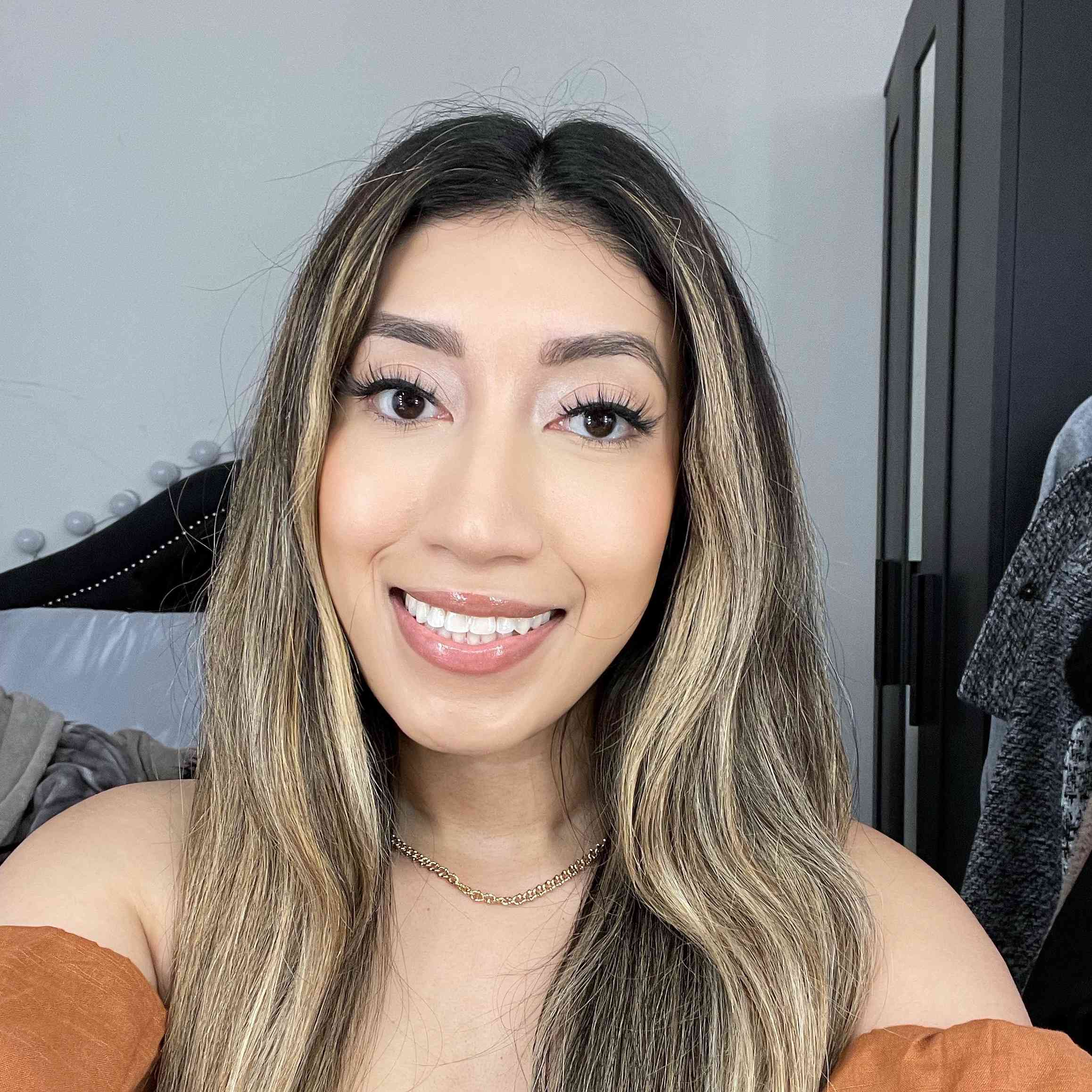 Too Faced Hangover Replenishing Face Primer Results on Karla Ayala