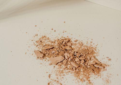 setting spray vs setting powder