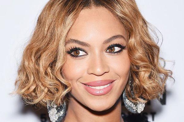 Beyonce With Black Eyeliner