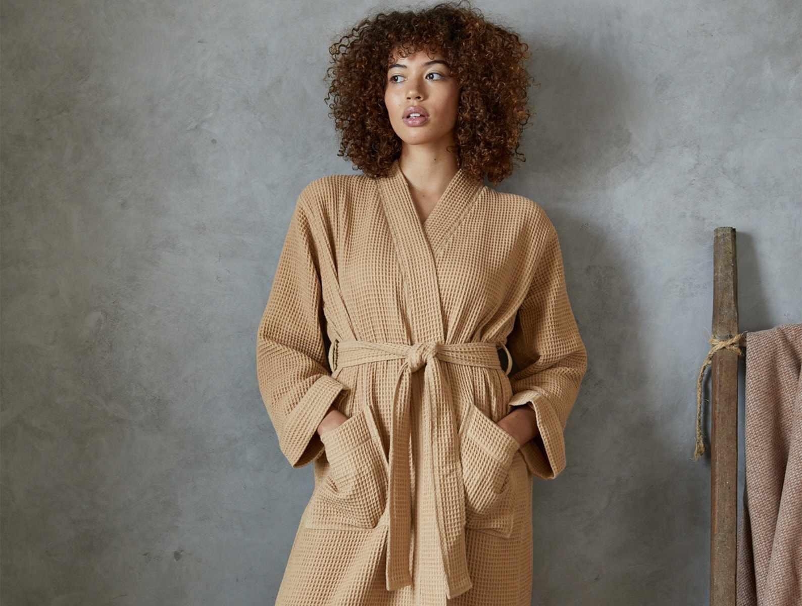 coyuchi-unisex-organic-waffle-robe
