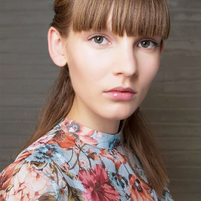 Fringes: Woman With Straight Fringe