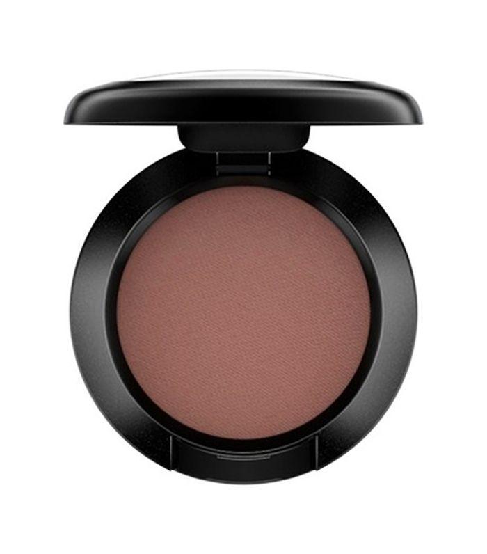 brown smokey eye: MAC Matte Eyeshadow in Corduroy