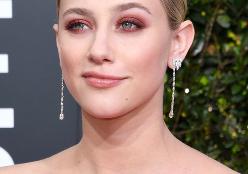 Lili Reinhart matte Burgundy eye shadow