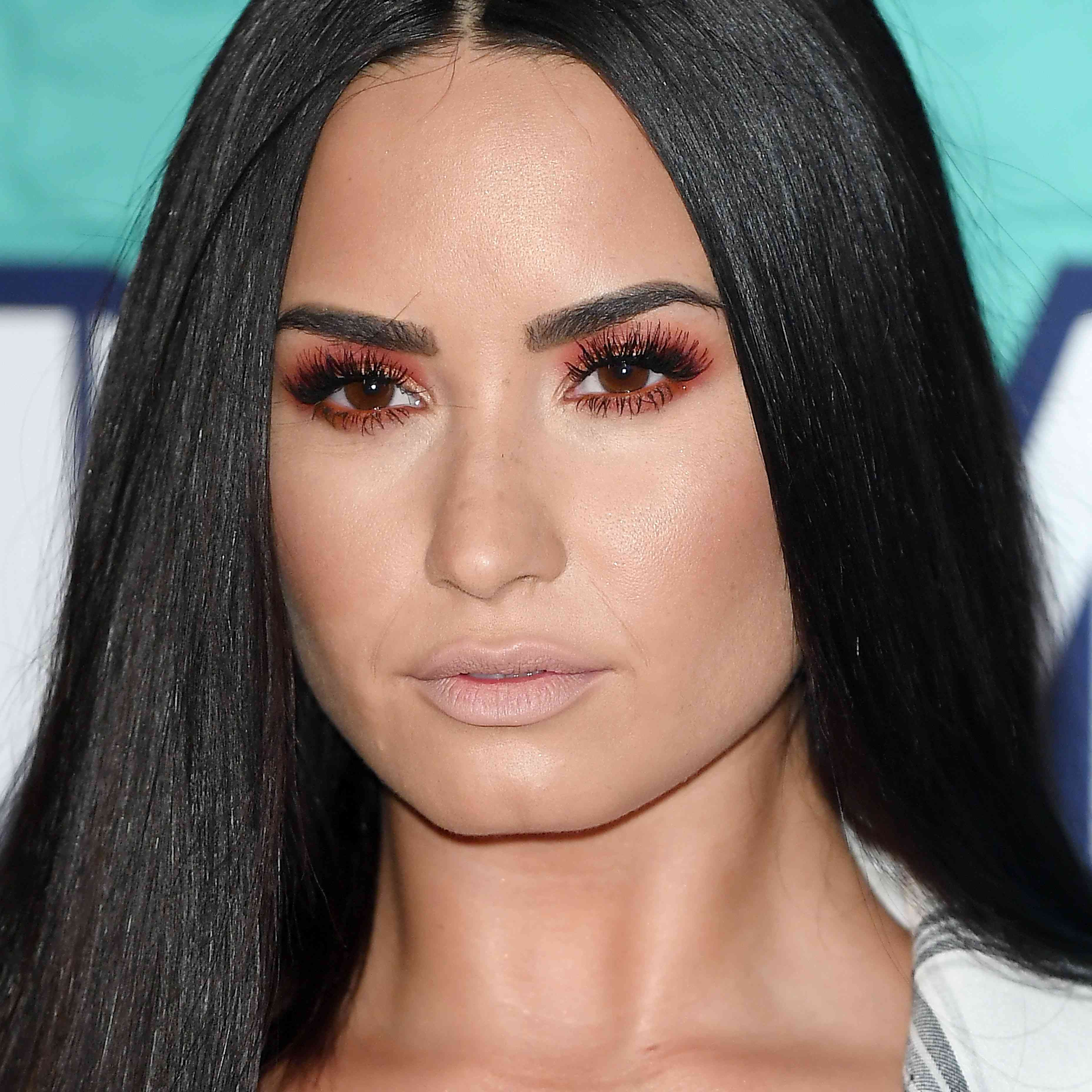 MTV EMAs 2017 - Red Carpet Arrivals - Demi Lovato