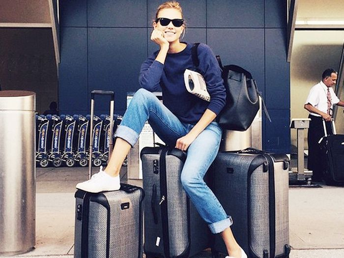 Karlie Kloss at the airport