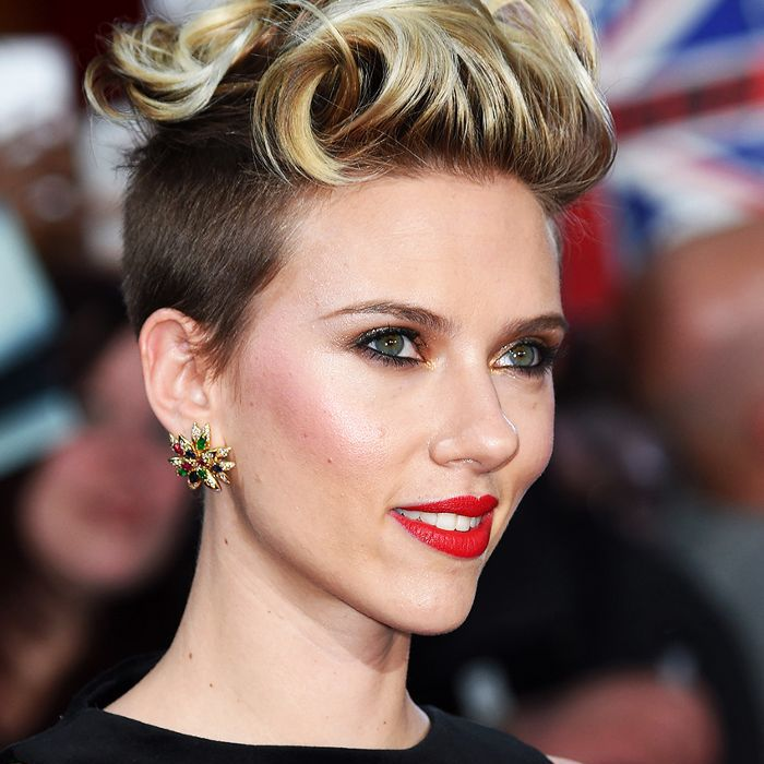 25 Perfect Short Haircuts For Curly Hair