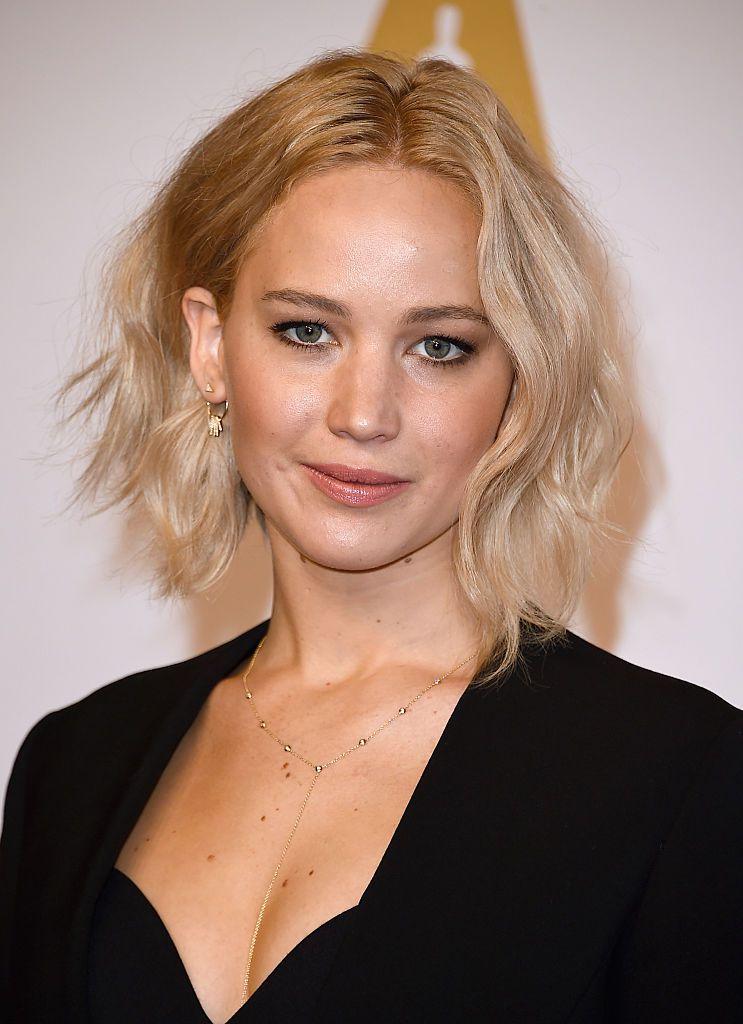 Jennifer Lawrence wavy A-line bob