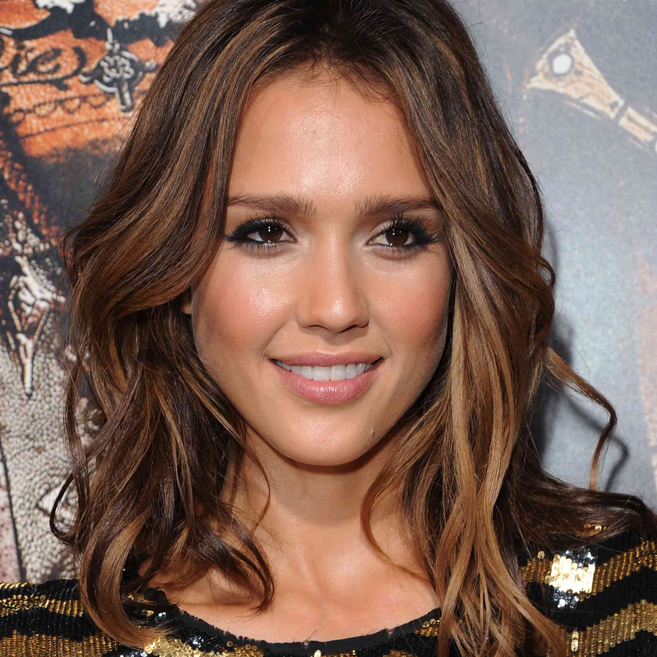 9 Flattering Hairstyles for Oval Faces