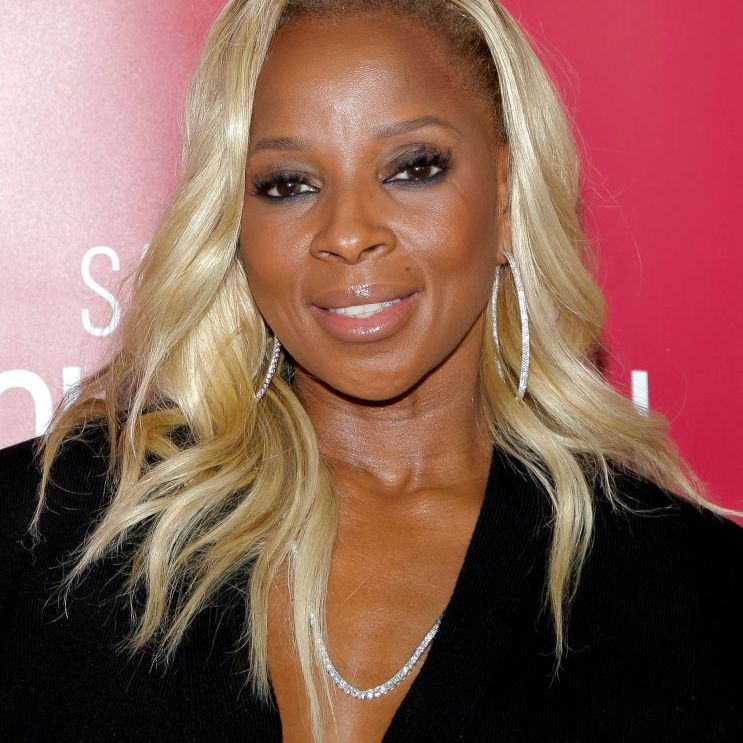Mary J. Blige long, blonde layers