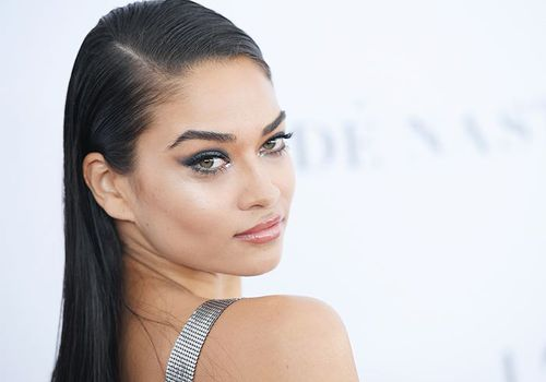 model shanina shaik with green eye makeup