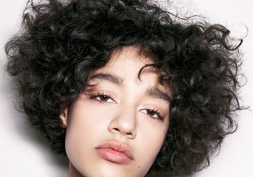Hairstyles For Curly Hair Women 40
