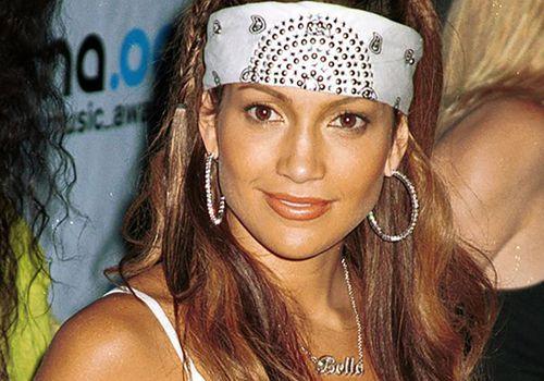 Jennifer Lopez wearing a bandana in the early 2000s