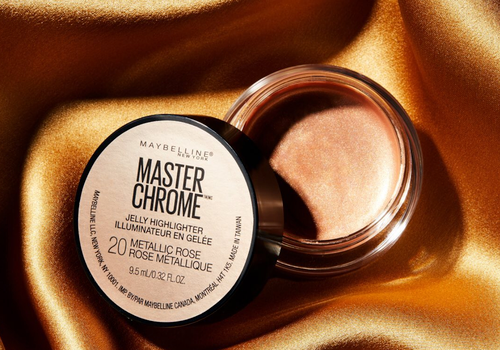 maybelline masterchrome jelly highlighter against gold silk