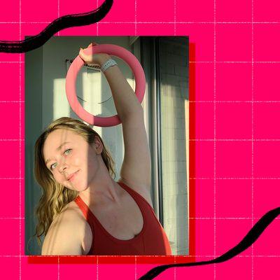 woman holding bala pink power ring