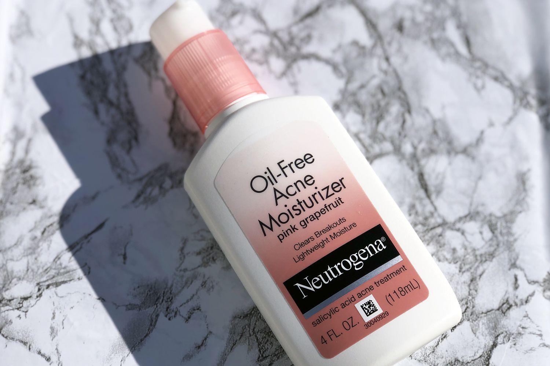 Neutrogena Oil-Free Acne Facial Moisturizer