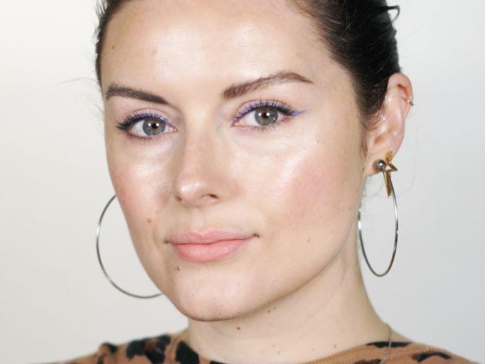 How to do blue eyeliner