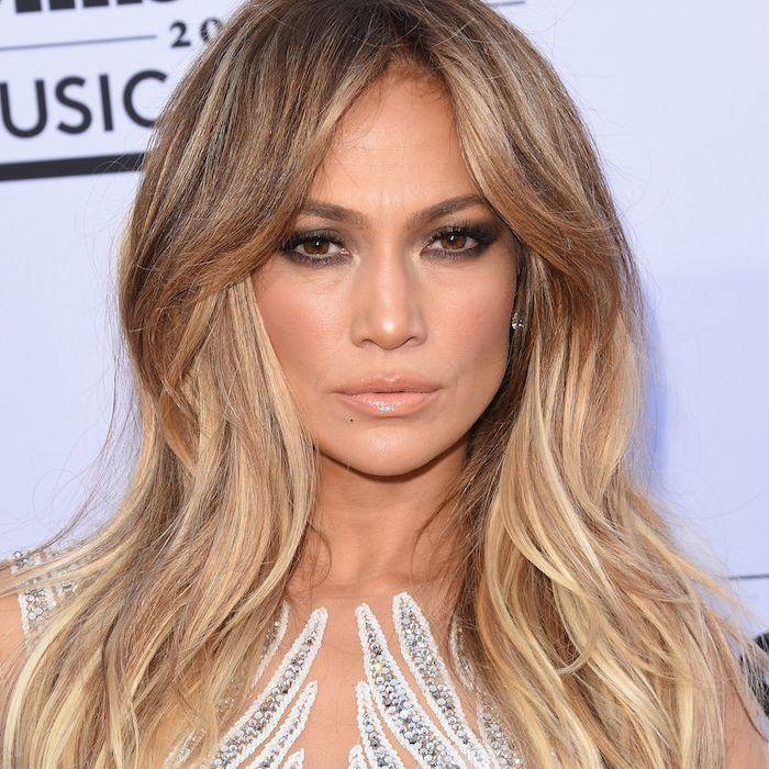Jennifer Lopez long blonde hair