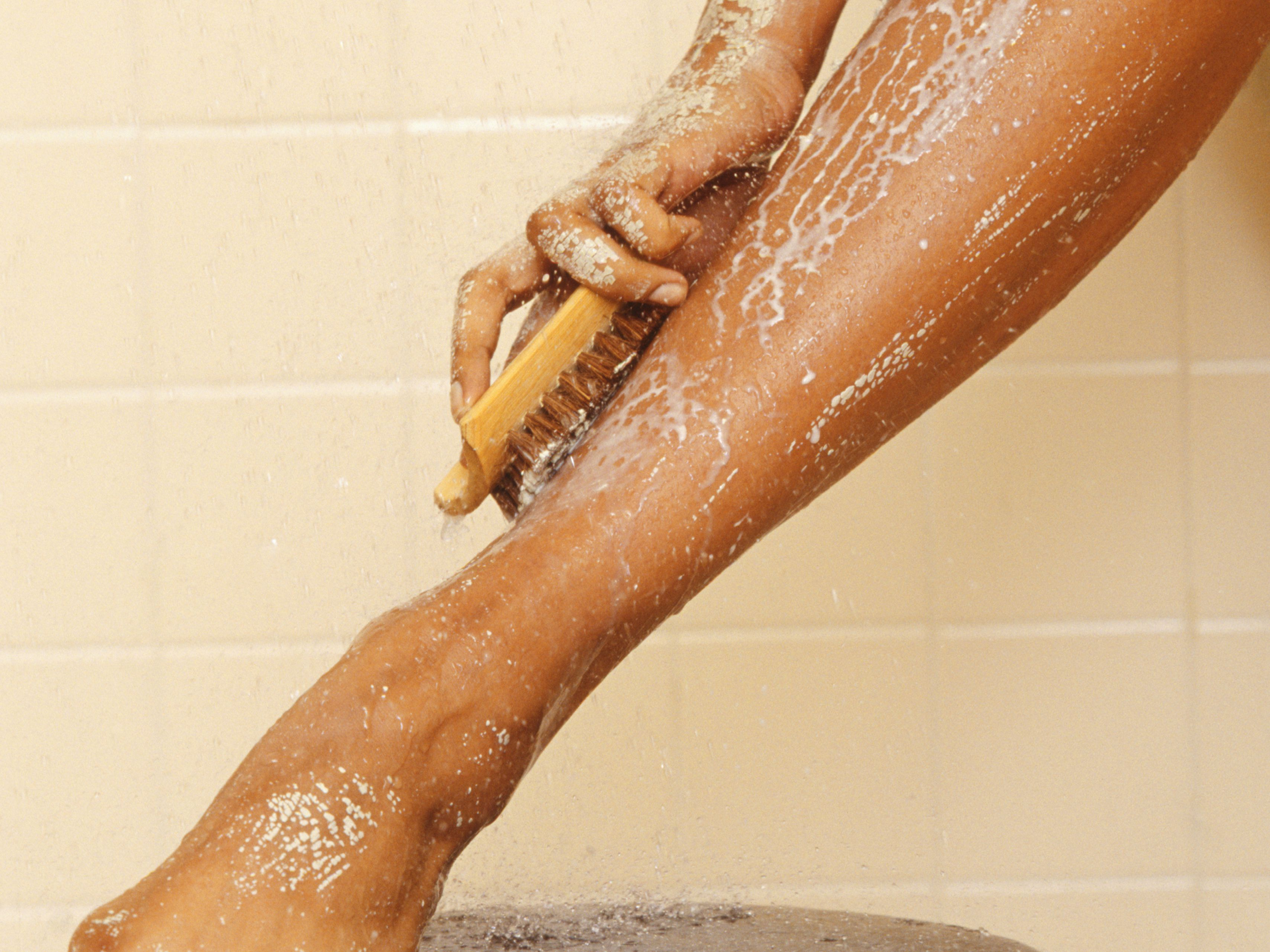 How To Remove A Lingering Spray Tan