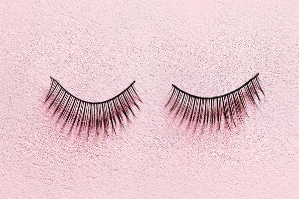 Do Eyelash Extensions Damage Your Eyelashes? Experts Answer