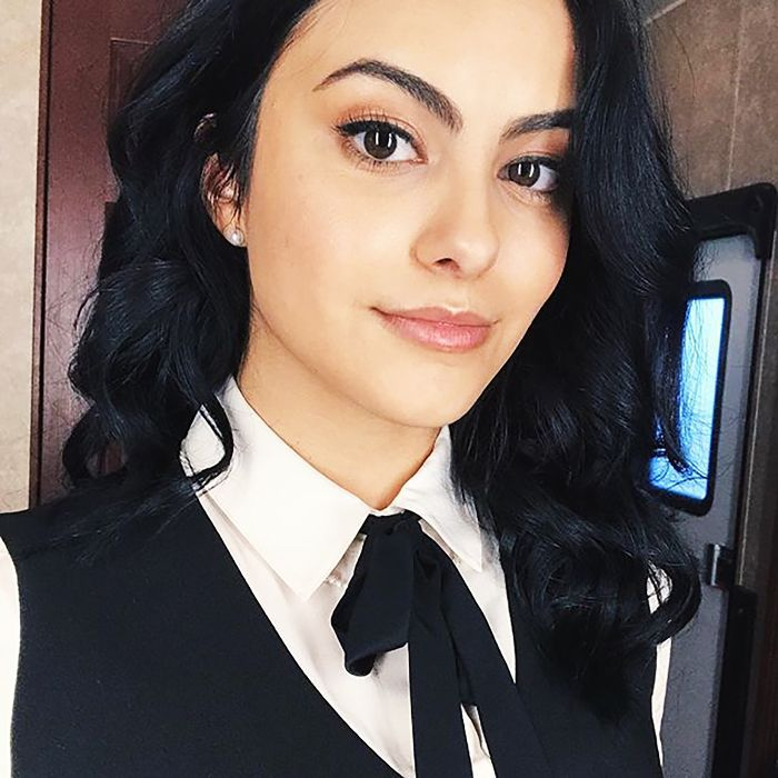 Belinda Della Branwenn Cdn.cliqueinc.com__cache__posts__263473__riverdale-star-camila-mendes-on-how-to-relax-and-be-productive-at-the-same-time-2889165.700x0c-19514fb9d1cd4e468d93f433315e6307