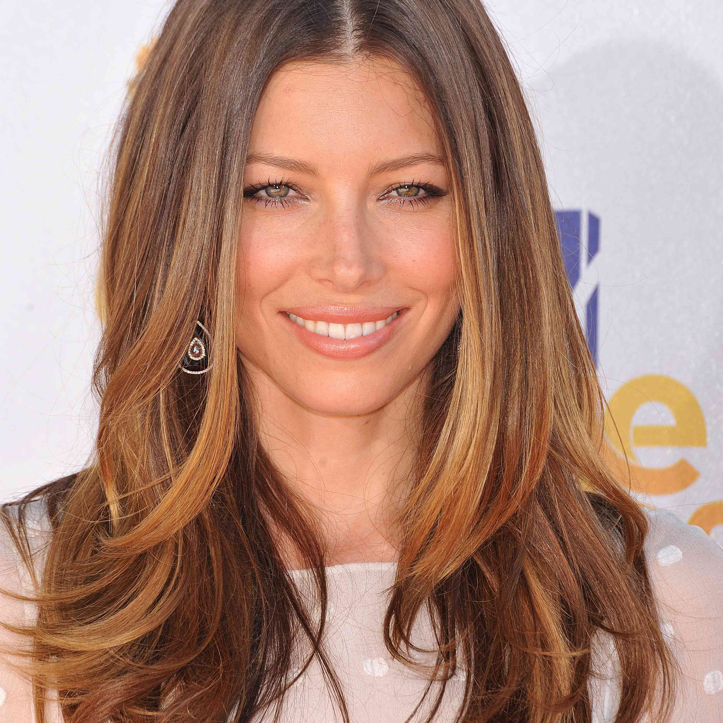 25 Flattering Light Brown Hair Color Ideas