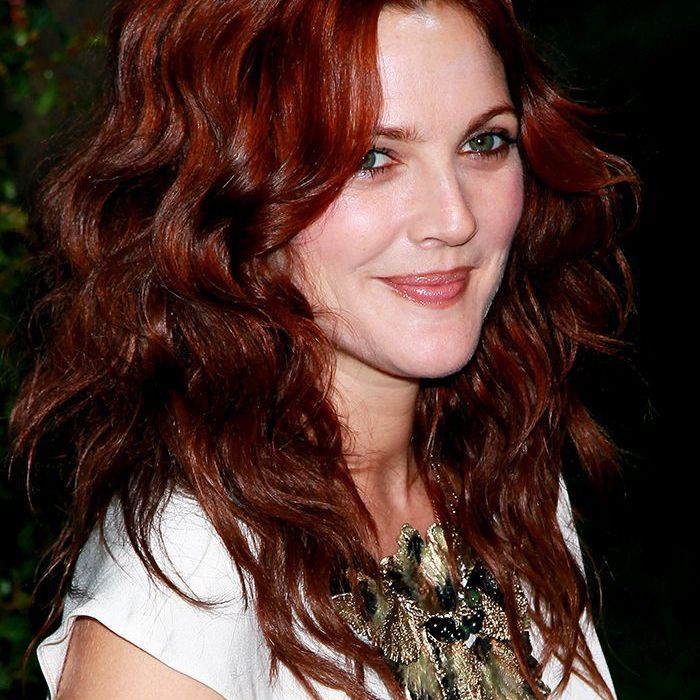 28 Stunning Dark Red Hair Colors We Re Tempted To Try