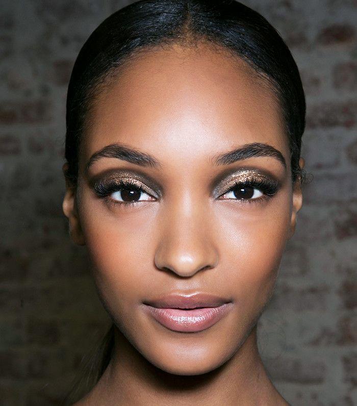 Model wearing smokey rose gold eye