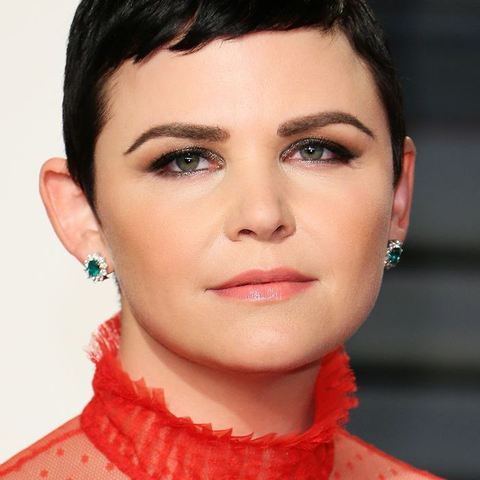 short haircuts for round faces: Ginnifer Goodwin