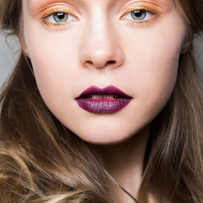 Gold Eyeliner - Holiday Makeup