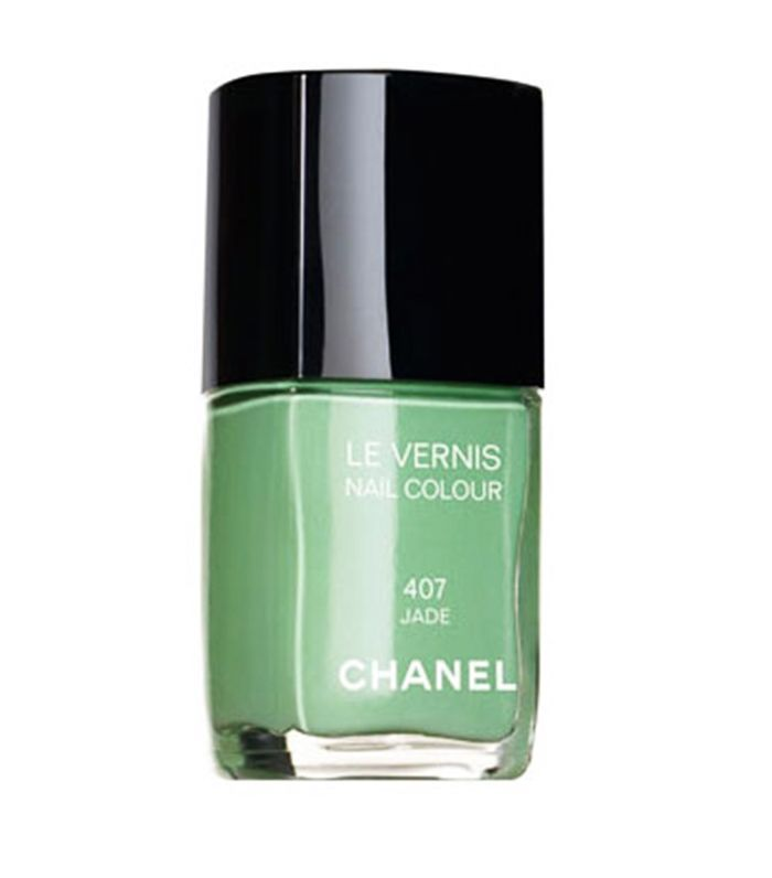 Iconic beauty products: Chanel Le Vernis in Jade
