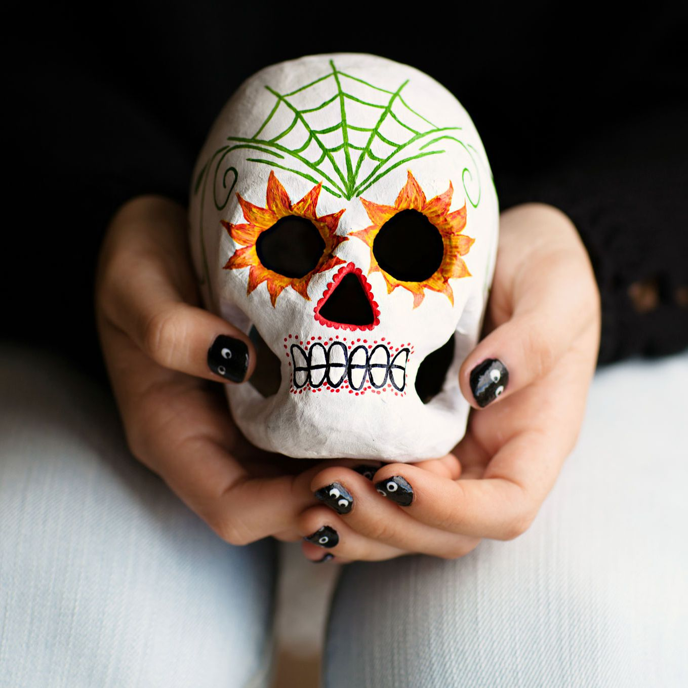 This Sugar Skull is a great decor for the coming Day of the Dead at the end of October