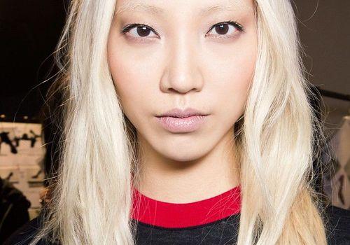 woman in blonde hair